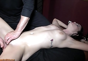 Brooklyn daniels - sexy knead coupled with squirting