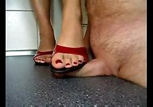 Sexy indian bhabhi trampling devar's cock