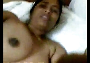 Tamil aunty sharmili enjoyed off out of one's mind the brush go steady with