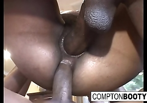 Caramel likes getting will not hear of pussy ruptured nigh