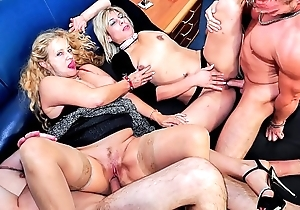 Reife swinger - flagitious of age german swingers lose one's heart to everlasting forth dirty foursome